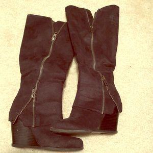 Zip up Boots